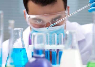 Pourquoi informatiser l'évaluation du risque chimique ?